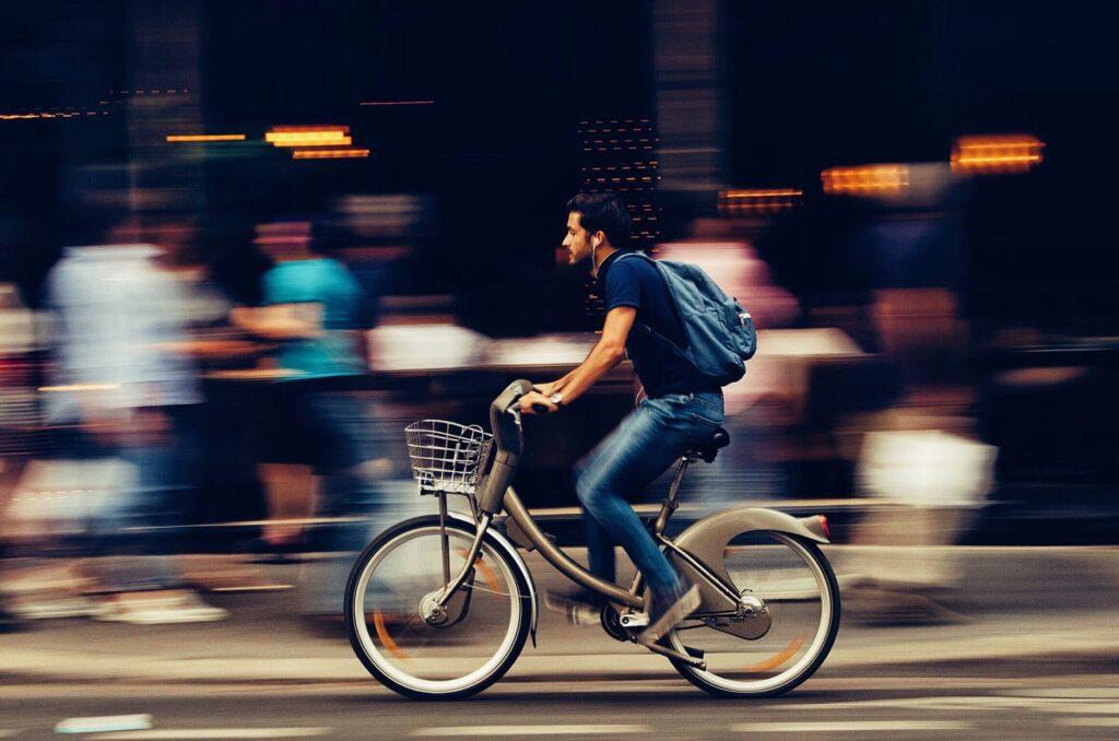 fiets-breikers-naar-werk-werknemer-fietsstimulering